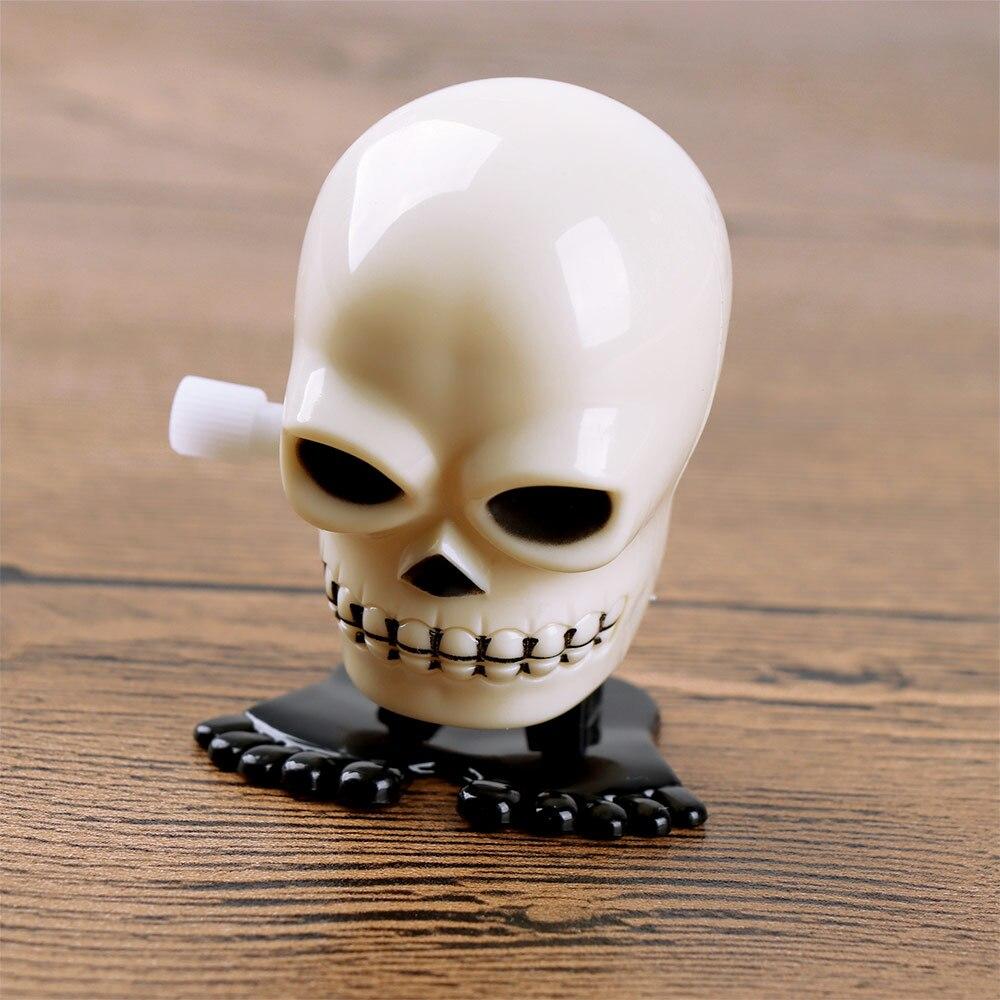 1 Pcs Cool Style Plastic Black White Mini Skull Shape Windup Clockwork Toy For Kid Funny Novelty Clockwork Toy Gift
