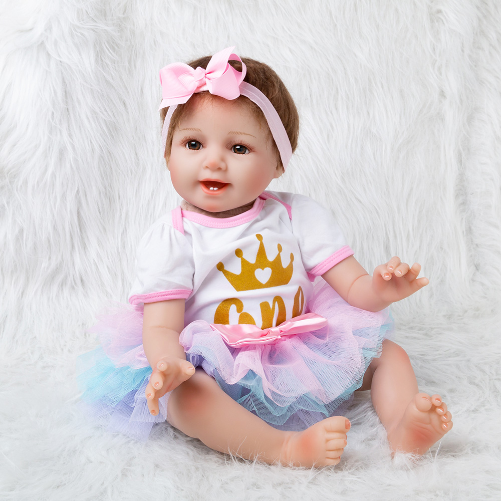 New 56cm Cute Full Vinyl Body Lifelike Baby Girl With Colored Skirt Silicone Bonecas Bebes Reborn Baby Dolls Birthday Gifts