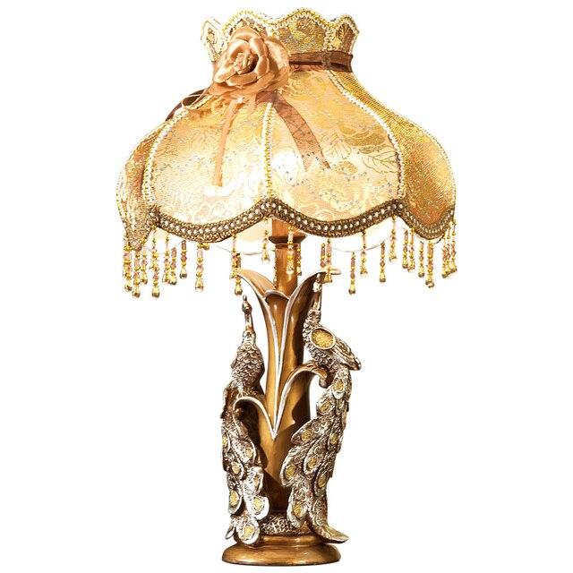High Quality European Luxury Resin Pea Table Lamp American Retro Lace Decorative Led E27