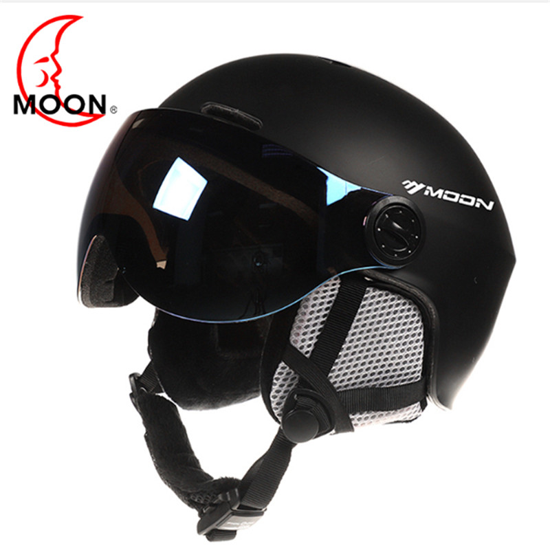 MOON Ski Helmet With Goggles 2019 Integrated Full coverage protector For Women ski snowboard helmet casque