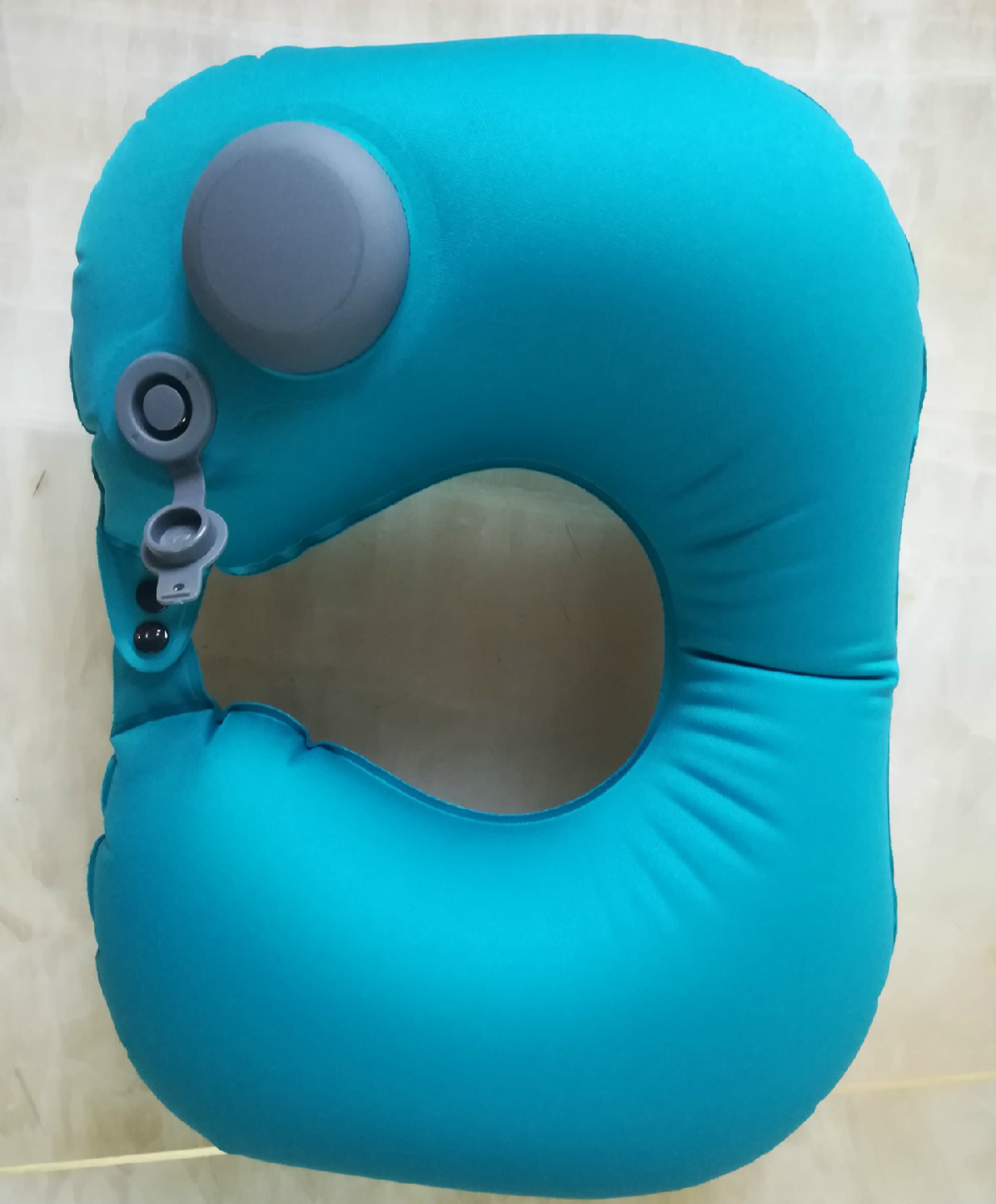 Image 3 - Portable U Shape Inflatable Travel Pillow Car Head Rest Air Cushion for Travel Office Nap Head Rest Air Cushion Neck Pillow-in Camping Mat from Sports & Entertainment