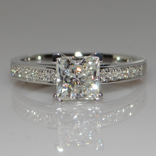 Party Lady 0.7 CT Cract Wedding Engagement Simulated Dia mond Ring Women 925 Sterling Silver Gril Brithday Love Gift