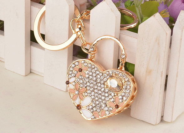 Felyskep Rhinestone Heart Key Chain Decoration Trinket Exquisite love Crystal Fashion Key Ring for Women Acessory A465AZL