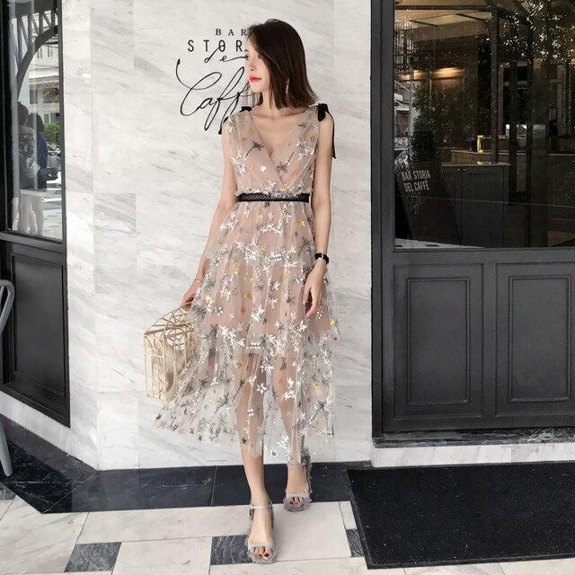 f63d28af0fda6 High-end V-neck Sleeveless Sequined Floral Embroidery Mesh Pleated Maxi  Dress 2019 Summer Desinger Self Portrait Dress