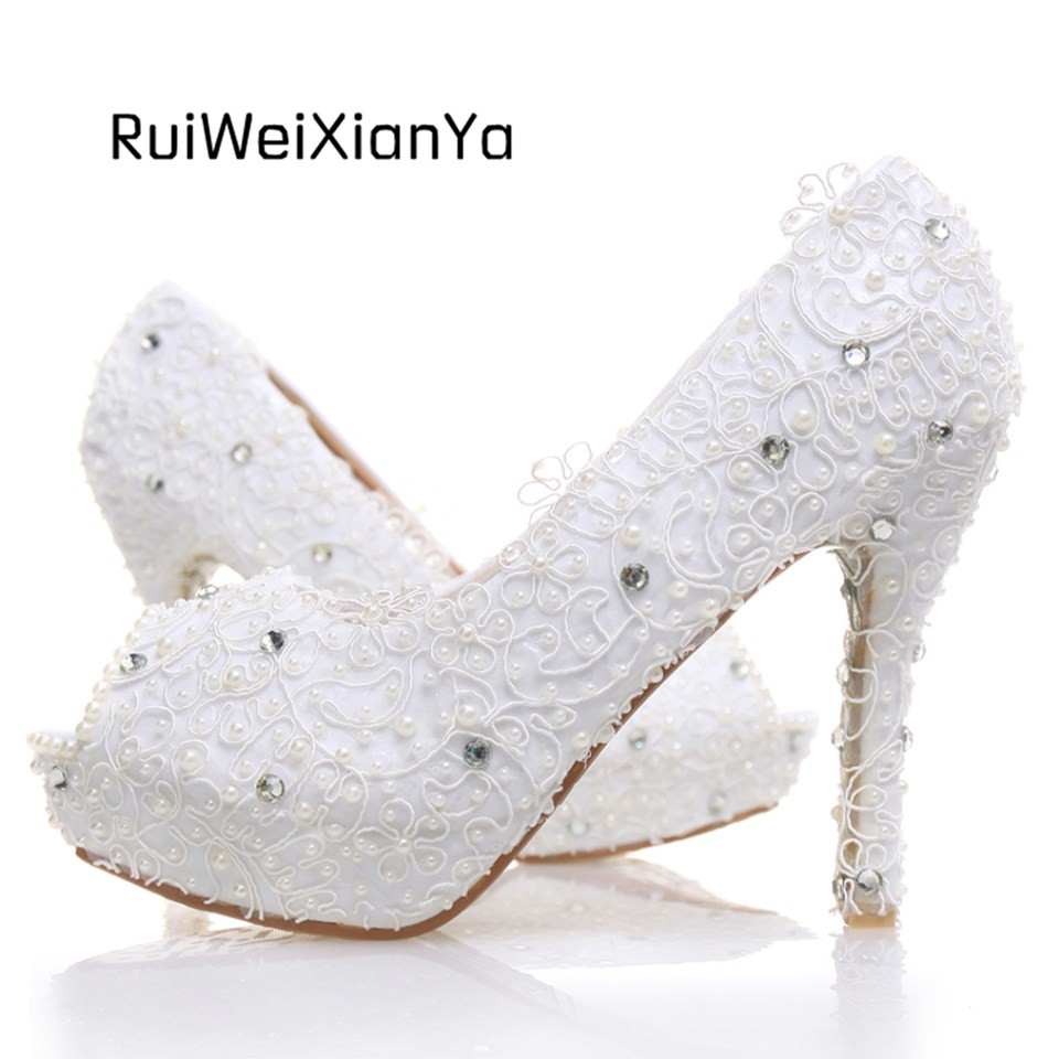 2017 New Fashion Spring Bridal White Lace Wedding Shoes Crystal Diamond Single Women Pumps Platform Peep-toe Sexy High Heels 2017 new fashion spring ladies pointed toe shoes woman flats crystal diamond silver wedding shoes for bridal plus size hot sale