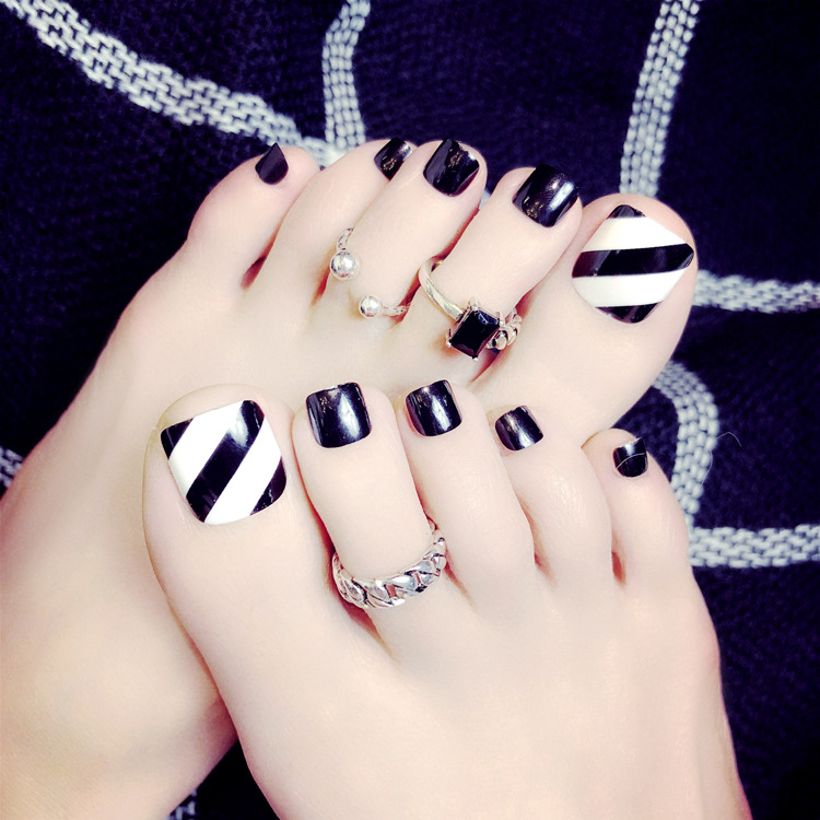 24 Pcs/set Simple Black Summer Toe Fake Nails Stripe Pattern Short Square Press on Foot Nail tips Faux Ongles Pieds ...