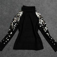 Вышитый бисером черный свитер с высоким воротом джемпер женский