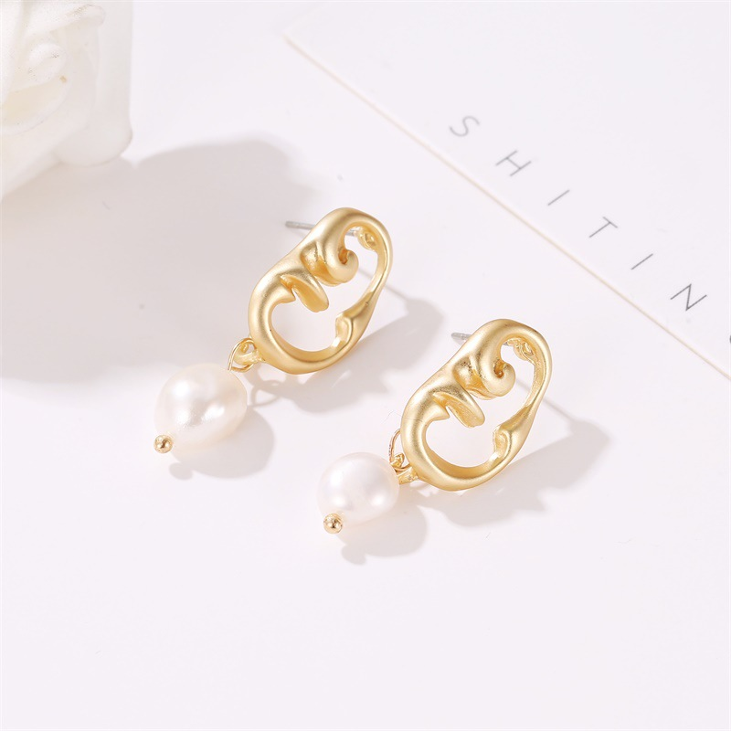 LEADERBEADS Women 39 s Ethnic Gold Special Shaped Face Imitation Pearl Drop Earrings Simple Design Boucle D 39 oreille Femme 2019 in Drop Earrings from Jewelry amp Accessories