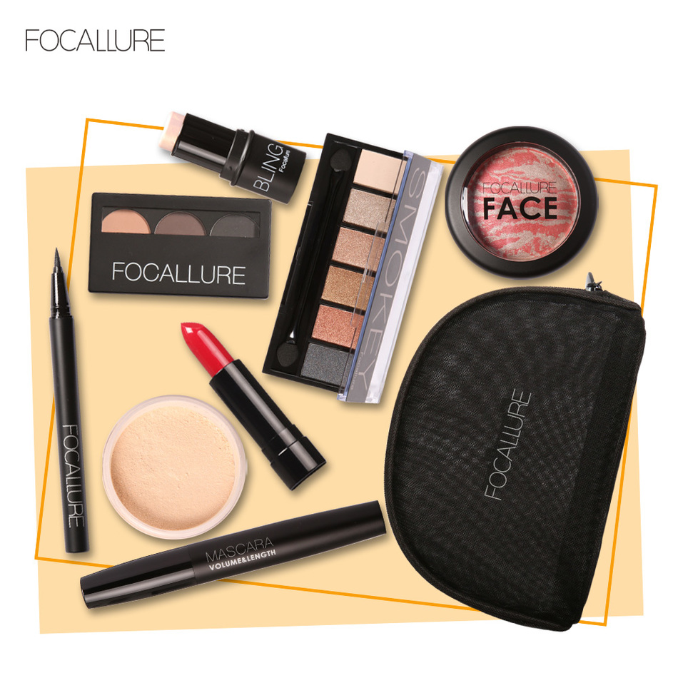 FOCALLURE Makup Tool Kit 8 PCS Must Have Cosmetics Including Eyeshadow Lipstick With Makeup Bag must have