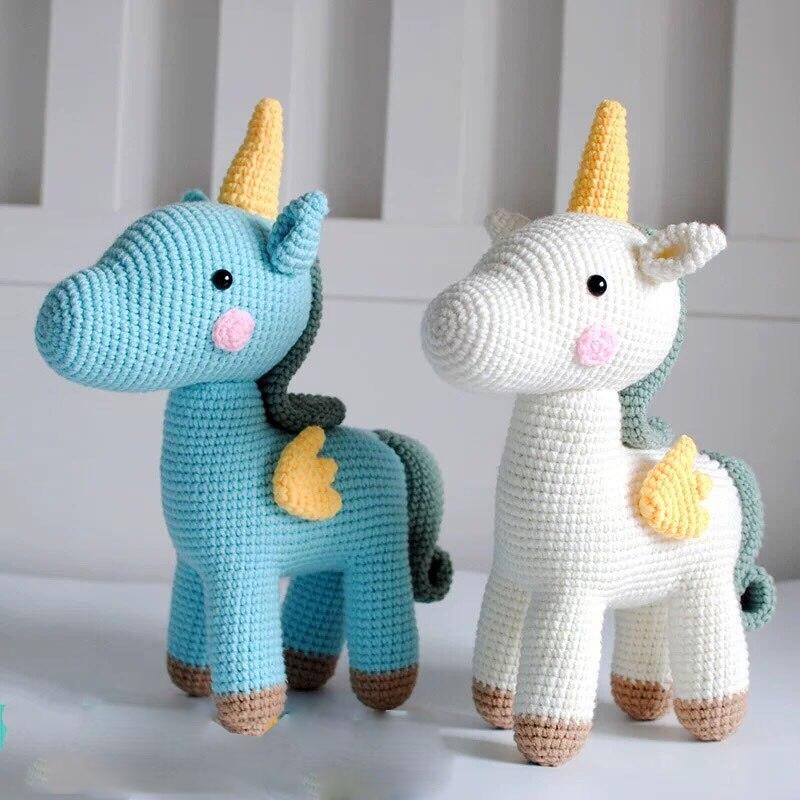Sleeping unicorn pony crochet pattern - Amigurumi Today | 800x800