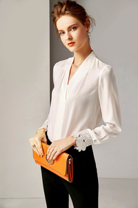 Image 2 - 2020 100% قمصان المدرج للسيدات من الحرير الخالص قمصان مثيرة بياقة على شكل V وأكمام طويلة مطرزة بلوزة قميص أنيقة