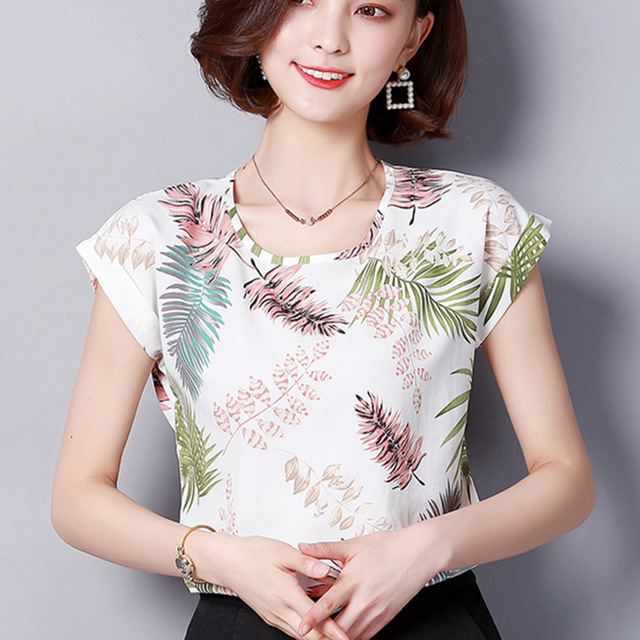 2018 Women Summer Tops Chiffon Blouses And Shirts Ladies Floral Print  Blouse Short Sleeve Plus Size Tops Casual Blusa Feminina 8a61910d79ad