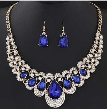 New Fashion Set Jewelry Metal Shiny Crystal Temperament Collar Necklace Earrings Color Crystal Earrings Drops Jewelry for Women