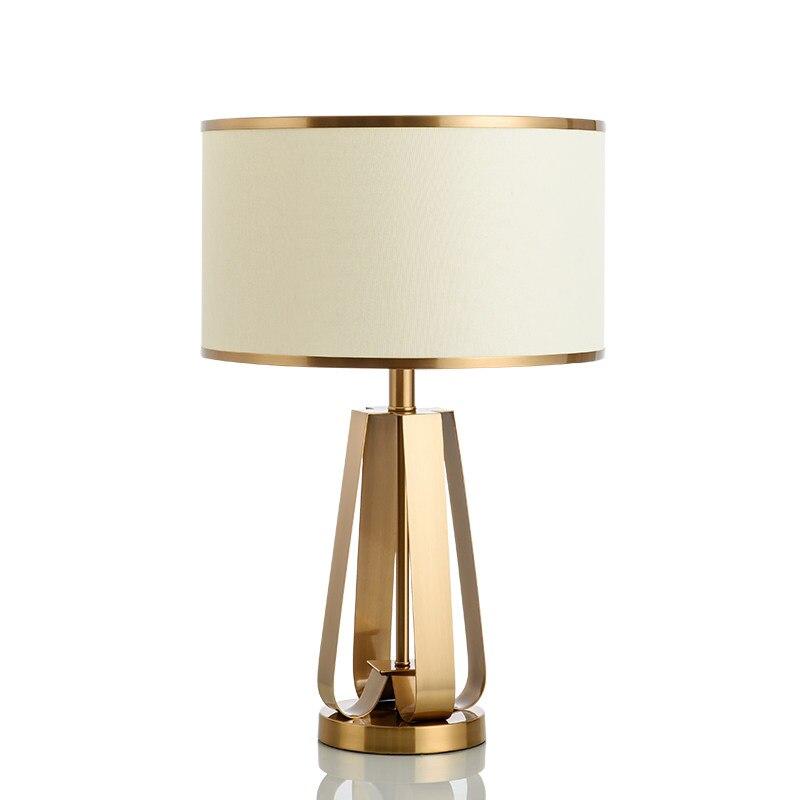Outillage moderne simple LED lampe de table éclairage chambre lampe de chevet en métal or mode bureau lumière E27 lampe art décoration de la maison