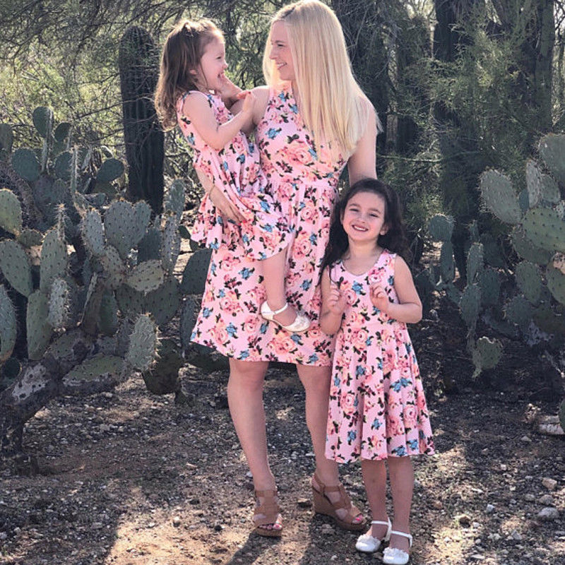 Sommer Familie Aussehen Passenden Kleidung Mutter Tochter Kleider Boho Floral Strand Kleid Frauen Mädchen Sleeveless Partei Vestidos SchnäPpchenverkauf Zum Jahresende Mutter & Kinder