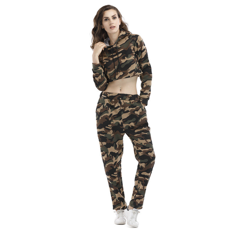 2018 Women Spring Fashion Sportwear Hooded Cropped Tops and Long Pants Set Two Piece Camouflage Workout Set Loose Tracksuits