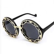 De las nuevas Mujeres Clásicas gafas de Sol de Metal Hueco Redondo Mujeres gafas de Sol Oculos Cristal De Las Gafas de Sol UV400 De Sol Feminino 4 colores