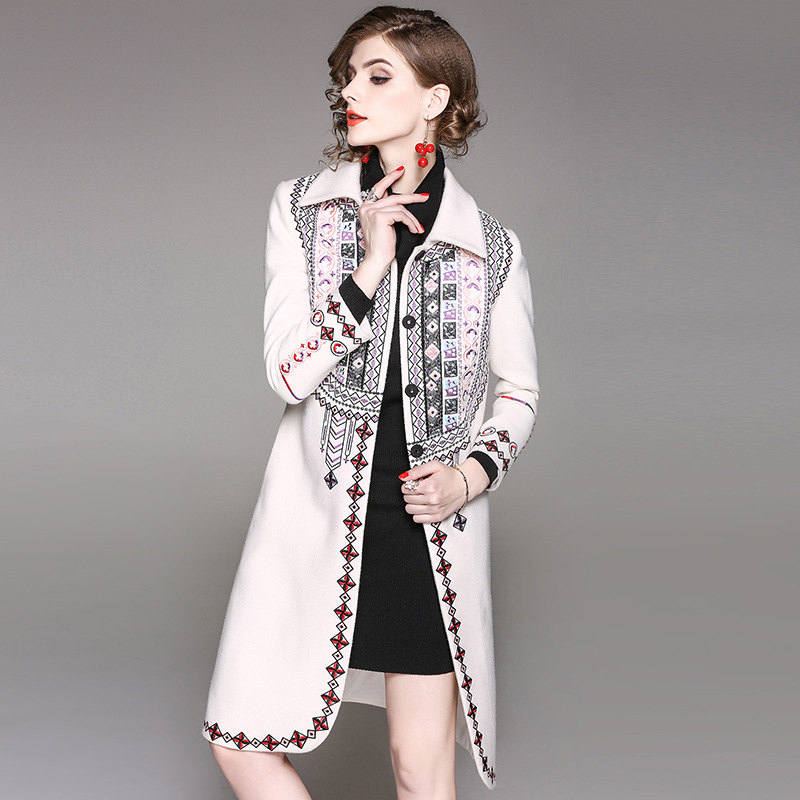 2017 Winter Fashion Embroidery Slim Women Long Coat High Quality Fashion Full Sleeve Turn down Collar Vintage Elegant Outwear