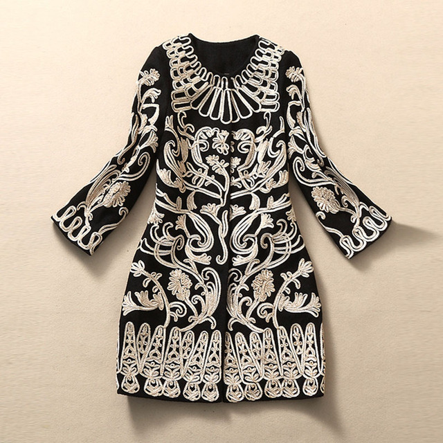 Runway 2016 Fashion Gold 3Dimensional Flower Embroidery Novelty Covered Button Cashmere Women Winter Overcoat Free Shipping
