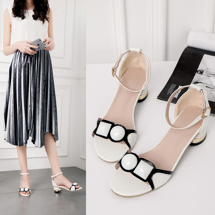 Sexy women Buckle strap Female ankle strap shoes mid heel lady 4cm medium heel open toe woman Peep Toe Sandals pink White black stylish women s peep toe shoes with buckle strap and chunky heel design