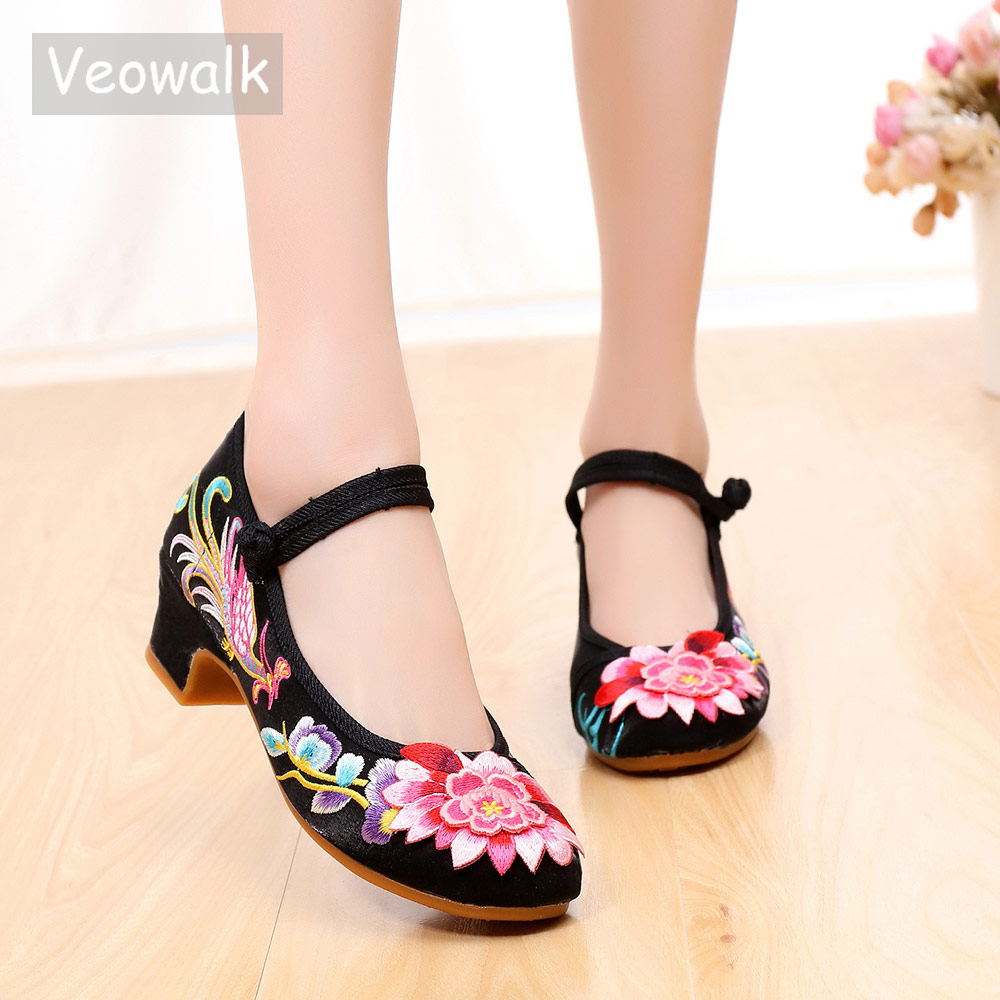Veowalk High End Embroidered Women Soft Cotton Fabric Low Block Heel Shoes Round Toe Retro Ladies Comfort Pumps zapatos mujer