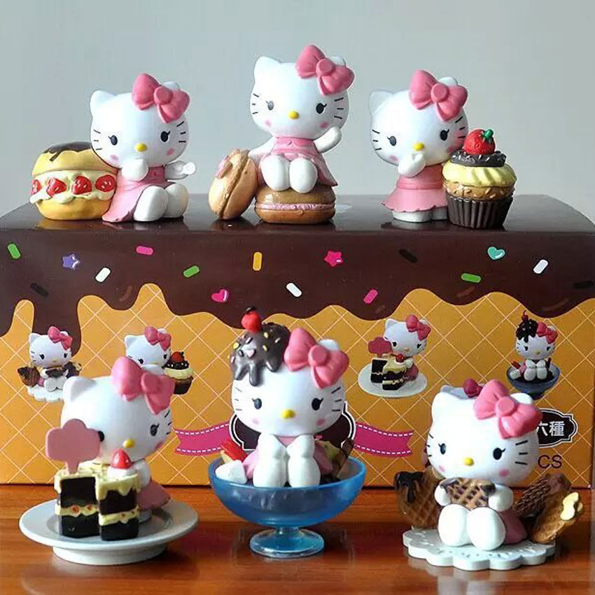 Hello Kitty Toys For Cakes : Chocolate cake hello kitty action figures toys lovely