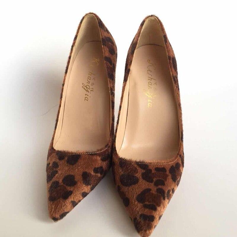 2018 봄 새로운 모피 가죽 지적 발가락 높은 굽 숙 녀 신발 패션 레오 파 드 얕은 입 단일 신발 슬립 온 파티 펌프-에서여성용 펌프부터 신발 의  그룹 1