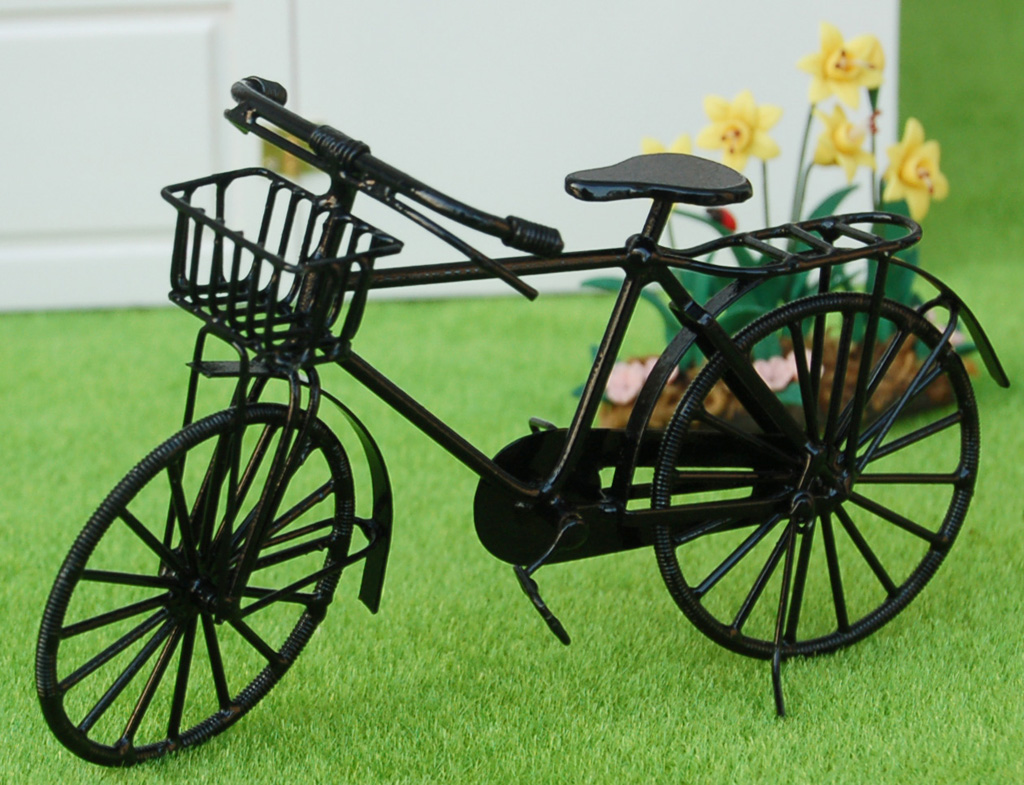 1/12 Dolls House Miniature Black Wire Metal Bicycle Bike w/ Rotating Wheels Kids Pretend Play Toy Gift