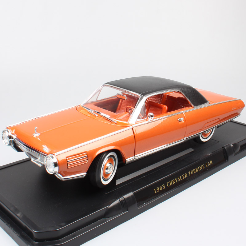 1:18 Road Signature Big Classic 1963 Chrysler Turbine Automobile Die Cast  Ghia Concept Car Scales Vehicles Model Miniature Toy