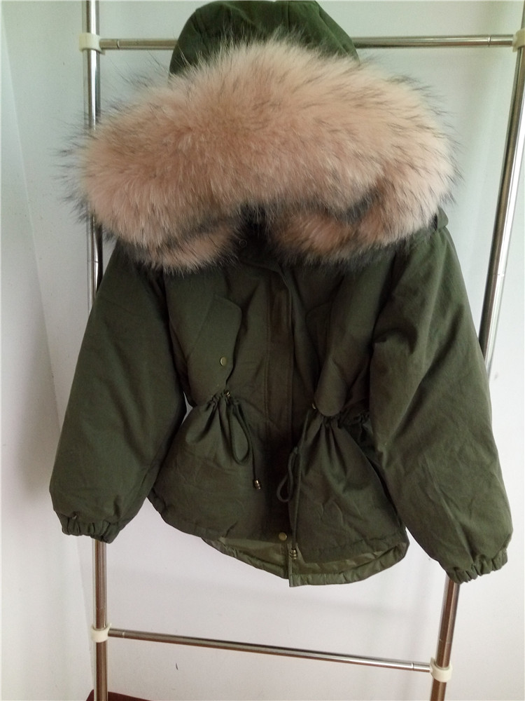 2018 fashion woman duck down short coat jacket with a large natural real genuine raccoon fur hood army green black pink white