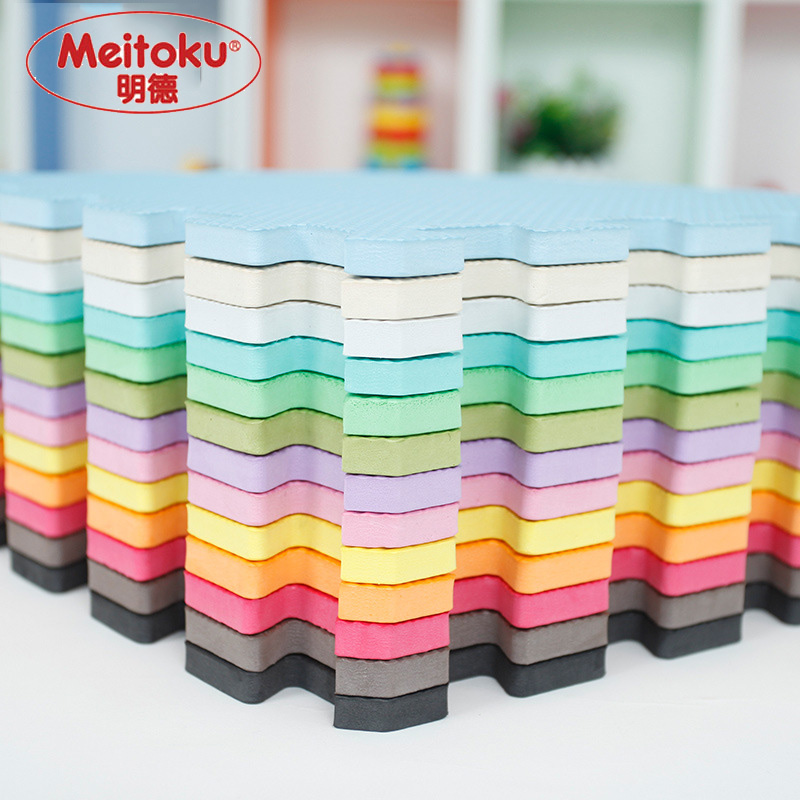 Meitoku baby EVA Foam Play Puzzle Mat / 9pcs / lot Interlocking treningsfliser Gulvmat for barn, hver 32cmX32cm