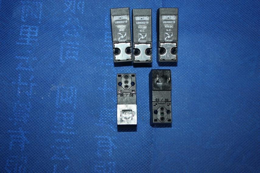 Le macchine per calzini a cilindro doppio Lonati utilizzano elettrovalvola normalmente chiusa U8900219