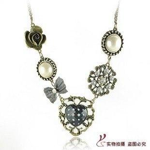 Sweet bigMiss SelfridgeRetro luxury sweet pearl necklace hollow heart necklace