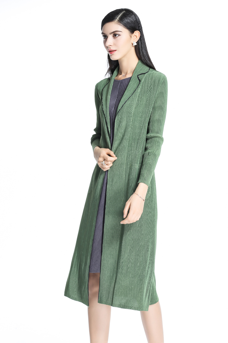 FREE SHIPPING Fashion trench coat the European and American wind spell to fold long sleeve trench coat IN STOCK