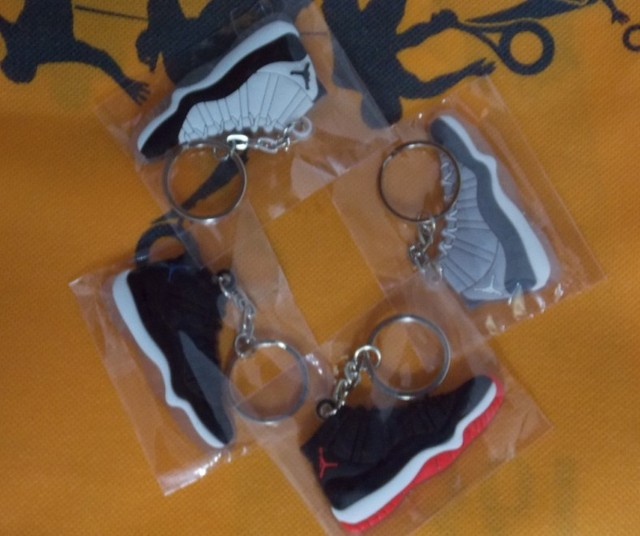 4pcs/lot Free Shipping Shoes Charm AJ XI Sneaker keychain 4 colors + FREE GIFT Anti Dust Plug Phone Chain