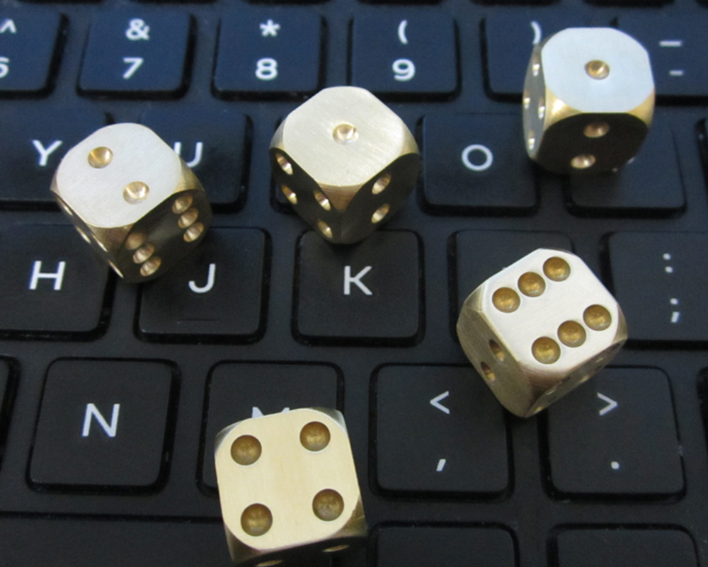 5PCS/Lot Top Quality Metal Dice Brass Heavy Metal Cool Christmas Gift Dice Set of 5 Never Rust Creative Gift Dices