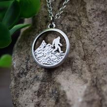 1 шт. Новое поступление античное посеребренное ожерелье Bigfoot, бегущее в гору Sasquatch SanLan