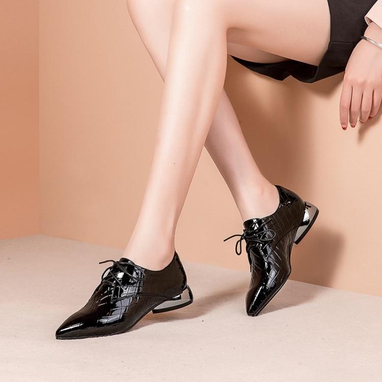 Mljuese 2019 여성 펌프 부드러운 암소 가죽 가을 봄 녹색 색상 레이스 패치 워크 지적 발가락 낮은 발 뒤꿈치 신발 크기 33 42-에서여성용 펌프부터 신발 의  그룹 1