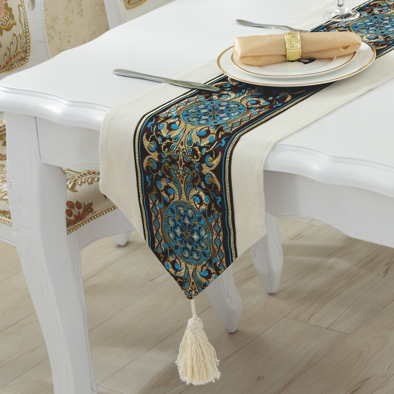 Simple And Modern European Luxury Table Runner Embroidered Linen Solid Coffee Table Runner Tablecloths Mediterranean Bed Runner end table