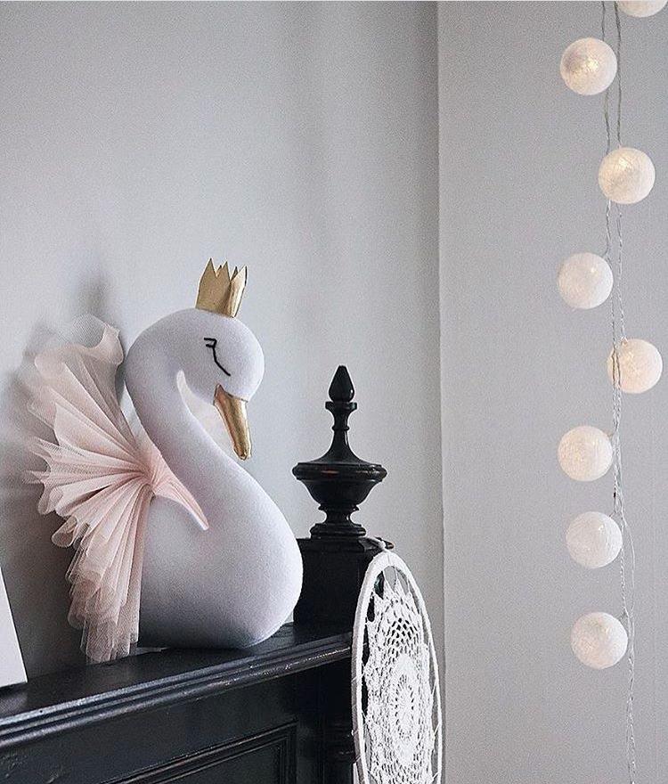 Children's Photography Swan Jewelry 2