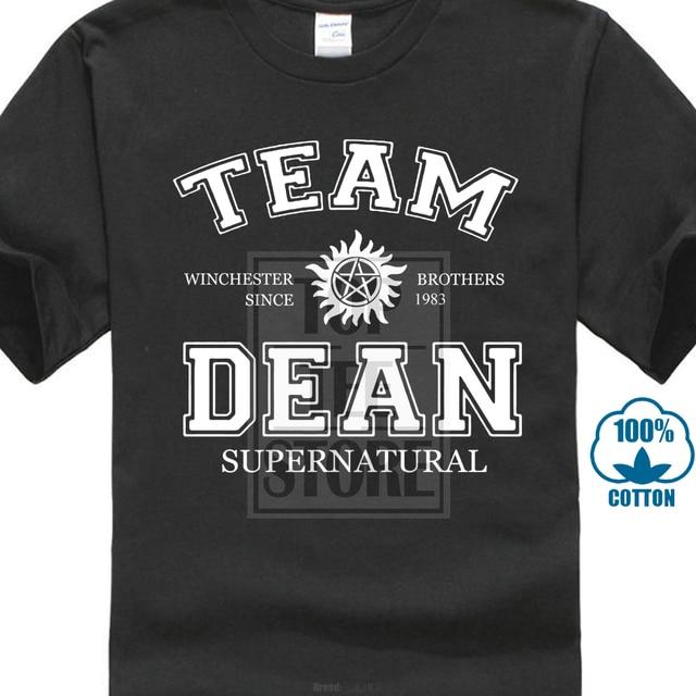 T personalizado Camisa do Costume T Shirt Camiseta Supernatural Dean Equipo  Nueva Homens Camiseta de Algodão cc5adb6ad39af