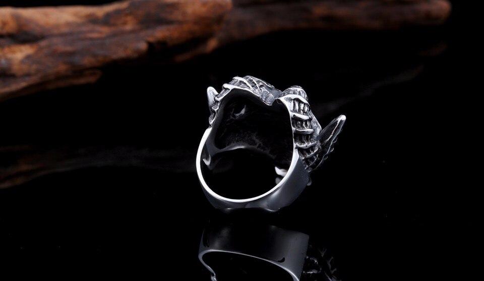 แหวนโคตรเท่ห์ Code 030 แหวนกะโหลกฮอร์น ปีีศาจโหดๆ สแตนเลส11