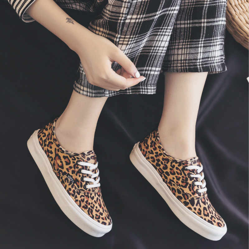 967c1f178197 ... Women Shoe Leopard Print Female Casual Shoes Flat Heel Lace Up 2018 New  Fashion Footwear Tiger ...