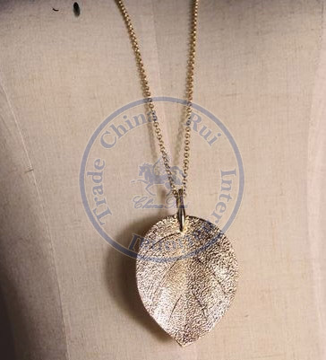 necklaces pendant Fashion jewelry popular for women golden leaf long sweater chain design CN post