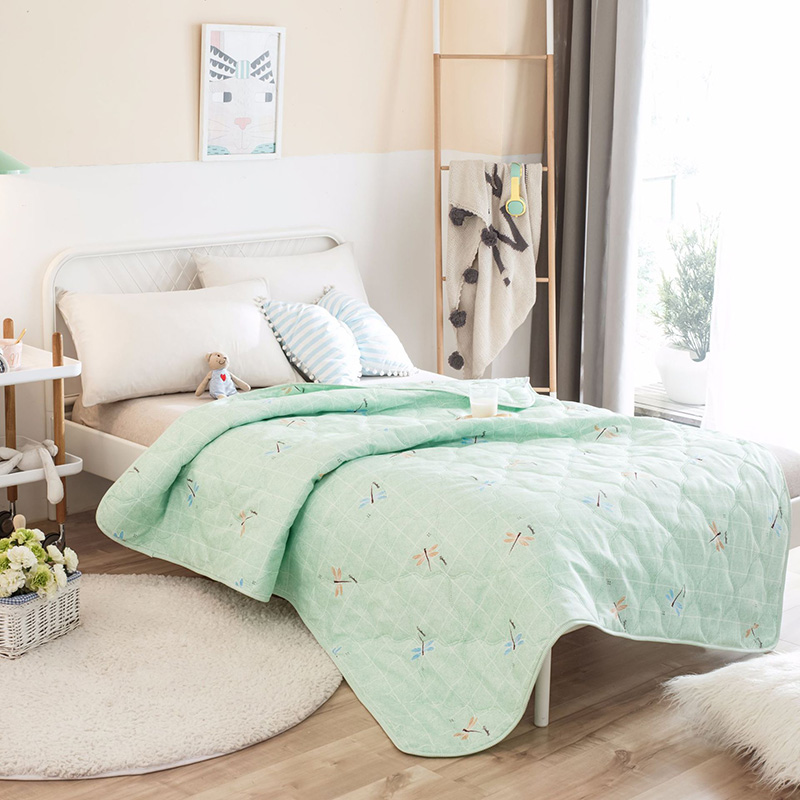 soft comfortable polyester cooling summer quilt blanket stitching tabby technology air permeable. Black Bedroom Furniture Sets. Home Design Ideas