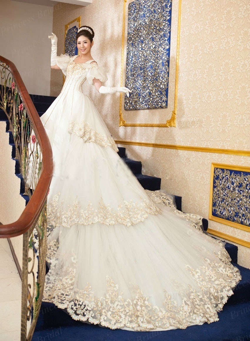Expensive Luxurious Ball Gown Beaded Appliques Cathedral/royal ...