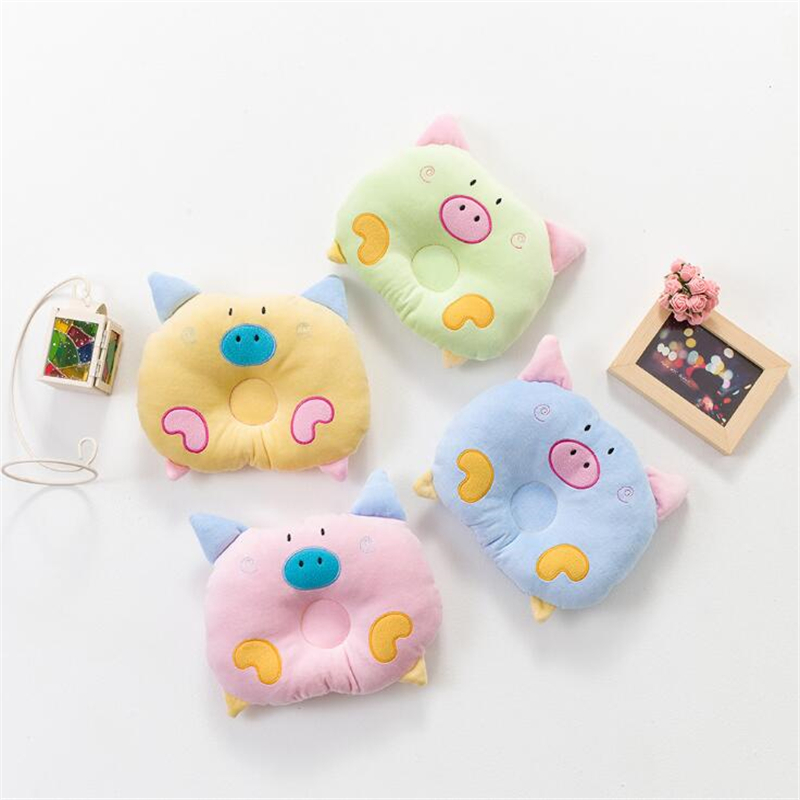 2018 Højkvalitets Soft Corrective Slant Head Baby Pillow Infant Newborns Pillow Cartoon Piglet Trykt Baby Shaping Pillow