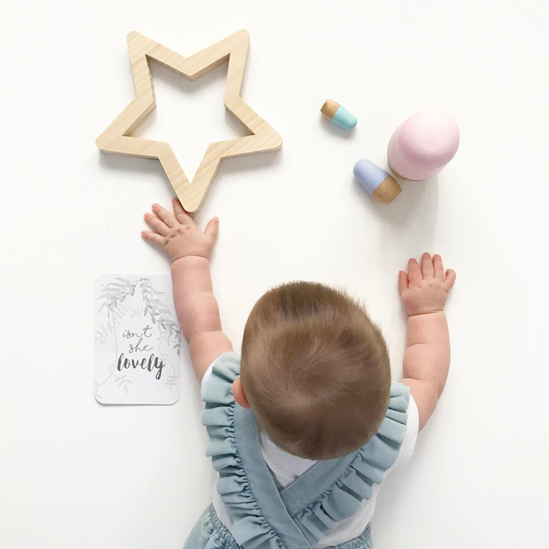 INS Nordic Wall Decor Ornament Star Wood Wall Sticker DIY Baby Room Crafts Wood Star Decoration Moon Party Placement Shoot Props necklace