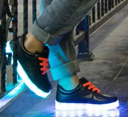 2017เด็กส่องสว่างชายหญิงชาร์จUSB LED Lightedรองเท้าผ้าใบแฟชั่นฤดูใบไม้ผลิเด็กแฟลตรองเท้ากีฬา