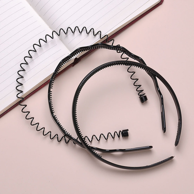 Yanqueens Mens Women Black Spiral Coiled Wire Headbands Hair Band Girl  Summer Style Sports Gym Headband b9b25c20daa